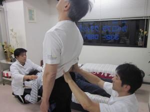腰椎の伸展検査